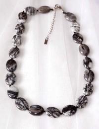 N260-Collier en pierre obsidienne