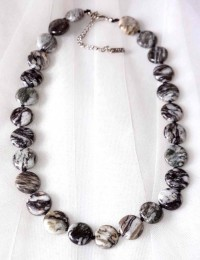 N261-Collier en pierre obsidienne