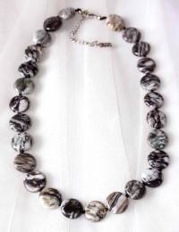 N261-Collier en pierre obsidienne