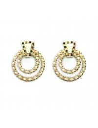 boucles d'oreilles en métal avec la décoration en spirale
